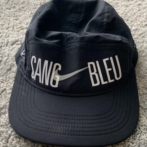 Nike Accessories - Nike Sang Bleu hat